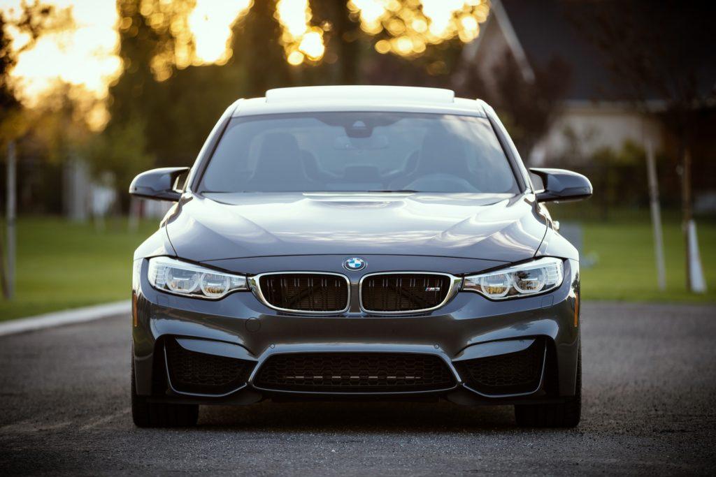 Les grandes lignes de l'assurance auto en Suisse